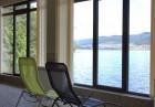 Лято на брега на язовир Доспат! Нощувка на човек + напълно оборудвана кухня и НОВО барбекю или изхранване по избор от семеен хотел Емили, Сърница, снимка 16