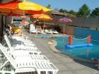 Нощувка за четирима или петима + басейн и джакузи в хотел Хармани, Китен