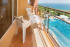 Нощувка на човек на база All Inclusive + басейн и собствен плаж от хотел Бона Вита, Златни пясъци.