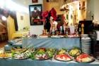 През Септември в Китен. Нощувка на човек със закуска, обяд и вечеря + басейн в семеен хотел Грийн Палас