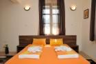 Нощувка на човек със закуска и вечеря от Семеен хотел Свети Никола, Мелник