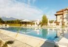 Горещ минерален басейн и релакс пакет + нощувка на човек със закуска в хотел Севън Сийзънс, с.Баня до Банско