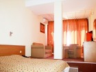 Нощувка на човек със закуска + плувен минерален басейн и джакузи в хотелски комплекс Свети Врач***, Сандански, снимка 7