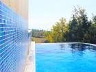 Нощувка на човек + плувен минерален басейн и джакузи в хотел Карталовец, Сандански, снимка 3