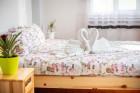 Почивка в Сапарева баня! Нощувка на човек със закуска в къща за гости Джули + 3 МИНЕРАЛНИ басейна и СПА зона в Аква клуб Котвата, снимка 6