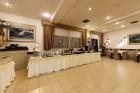 Нощувка на човек със закуска и вечеря* + басейн в хотел Мура*** Боровец