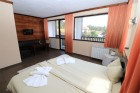 Нощувка в самостоятелна къща за до 4-ма + 2 деца до 6г.  със закуска, обяд и вечеря + басейн и релакс център в Комплекс Каталина, Цигов чарк, снимка 21