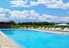 Нощувка на човек със закуска + 2 басейна с минерална вода в хотел Севън Сийзънс, с.Баня до Банско, снимка 5