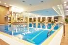 Есен във Велинград! Нощувка на човек със закуска и вечеря + минерални басейни и СПА пакет в Гранд хотел Велинград