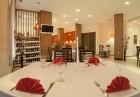 Нова Година 2020 в Боровец! 2 нощувки на човек със закуски и вечери, едната празнична с богата програма и жива музика  + басейн в хотел Вила Парк, снимка 14
