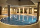 Нова Година 2020 в Боровец! 2 нощувки на човек със закуски и вечери, едната празнична с богата програма и жива музика  + басейн в хотел Вила Парк, снимка 2