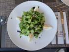 Зелена салата с яйце, пилешки шишчета сатай, минерална вода и 0.50 грама бургас 63 в 4-звездният хотел Грами в София