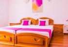 От 20 до 29 Декември: Нощувка или нощувка със закуска на човек в хотел Елеганс, Арбанаси