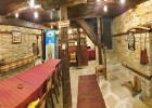 Наем на самостоятелна къща за 2 или 3 нощувки за до 17 човека + ползване на механа от Парлапанова къща, Боженци