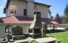 Нощувка за до 10 човека + просторна дневна с камина, 2 барбекюта в къща Бояджиеви в Априлци, снимка 5