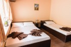Наем за 1, 2 или 3 нощувки на самостоятелна къщa за 12 човека + барбекю и ресторант от Вила Монтебело резидънс, край Велико Търново, снимка 6