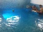 Нощувка на човек със закуска и вечеря + минерален басейн в хотел Елит, Девин