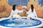 Нова Година край Троян. 3 или 4 нощувки на човек със закуски и вечери - едната празнична + външен басейн и релакс пакет в Бутиков хотел Шипково