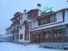 Зима в Банско! 1 или 2 нощувки на човек със закуски и вечери от Семеен хотел Холидей Груп, снимка 2