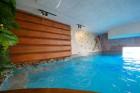 Почивка в Сапарева баня! Нощувка на човек със закуска в къща за гости Джули + 3 МИНЕРАЛНИ басейна и СПА зона в Аква клуб Котвата