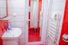 Почивка в Сапарева баня! Нощувка на човек със закуска в къща за гости Джули + 3 МИНЕРАЛНИ басейна и СПА зона в Аква клуб Котвата, снимка 9