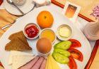Нощувка на човек със закуска и вечеря + топъл басейн в хотел Шато Монтан, Троян., снимка 4