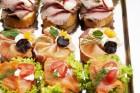 150 бр. празнични мини сандвичи, парти кюфтенца и златисти еклерчета от Кулинарна работилница Деличи, София, снимка 3