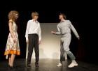 """Гледайте """"Аз обичам, ти обичаш, тя обича"""" на 17.12 от 19 часа в Малък градски театър Зад Канала, снимка 5"""