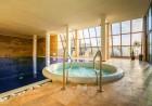 Нощувка на човек със закуска и вечеря + топъл  басейн и НОВ Спа център в Комплекс Каталина, Цигов чарк, снимка 8