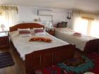 Нощувка за до 10 човека в самостоятелен етаж от Гологановата къща - Калофер, снимка 10
