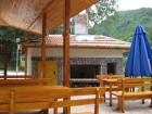 Нощувка в самостоятелни къщички за 8 човека + ресторант-механа в Комплекс Орлова скала край Етрополе - с. Лопян, снимка 12
