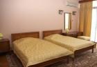 Нощувка на човек със закуска + плувен минерален басейн и джакузи в хотелски комплекс Свети Врач***, Сандански, снимка 8