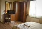 Ски почивка в Банско. Нощувка на човек със закуска + транспорт до кабинков лифт само за 29.99 лв. в Бизева Къща***, снимка 8