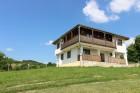 Нощувка за 4, 5 или 16 човека в единствените в България 9 абсолютно кръгли къщи край Антоново в комплекс Малка Черковна с басейн и механа, снимка 7