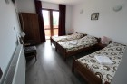 Нощувка за 4, 5 или 16 човека в единствените в България 9 абсолютно кръгли къщи край Антоново в комплекс Малка Черковна с басейн и механа, снимка 13