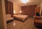 Нощувка със закуска на човек + сауна от Семеен хотел Йола, Чепеларе, снимка 6