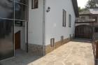Нощувка за 11+1 човека + собствена механа и зала за репетиции в къщи Пеневи в Трявна, снимка 2