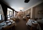 Нощувка на човек със закуска, обяд* и вечеря + басейн в хотел Велиста, Вонеща вода, снимка 9
