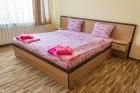 Нощувка за 8, 16 или 24 човека в 3 уютни еднофамилни къщи Краси край язовир Батак, снимка 16
