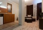 Делник в Сапарева баня! Нощувка на човек със закуска и вечеря + джакузи, сауна и парна баня в къща Релакса, снимка 8