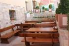 Делник в Сапарева баня! Нощувка на човек със закуска и вечеря + джакузи, сауна и парна баня в къща Релакса, снимка 5