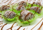 Плато 170 бр. апететни солени коктейлни хапки + кокосови топки само за за 64.50 лв. от H&D кетъринг. Вземете ги!, снимка 2