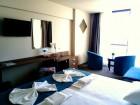 Лято на ПЪРВА линия в Кранево! Нощувка на човек със закуска и вечеря + неограничено количество напитки в хотел Магнифик, снимка 8