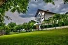 Нощувка за до 11 човека + сезонен басейн, механа, барбекю и просторен двор в къща Крисиели край Кюстендил - с. Горна Брестница, снимка 30