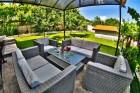Нощувка за до 11 човека + сезонен басейн, механа, барбекю и просторен двор в къща Крисиели край Кюстендил - с. Горна Брестница, снимка 15