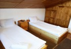 Наем на самостоятелна вила с капацитет до 11 човека + барбекю с камина от къща за гости Шипоко, м. Предела до Разлог, снимка 6