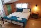 Нощувка на човек в стаи за гости Каса Вивалди, в центъра на Велинград, снимка 4