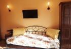 Нощувка на човек в стаи за гости Каса Вивалди, в центъра на Велинград, снимка 8