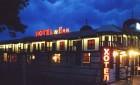 Нощувка на човек със закуска и вечеря в комплекс Манастира, с. Иваново, край Русе, снимка 10
