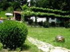 Нощувка за 5 човека + лятно барбекю с навес, голяма градина и детски кът в къща Ломар край Калофер, снимка 6